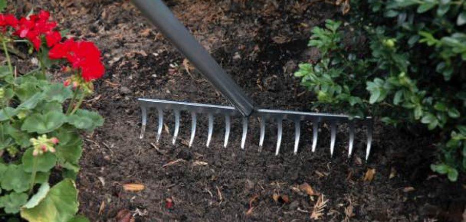 Top garden rake